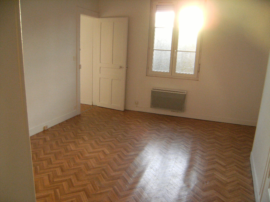 A LOUER APPARTEMENT  CENTRE ILLIERS COMBRAY