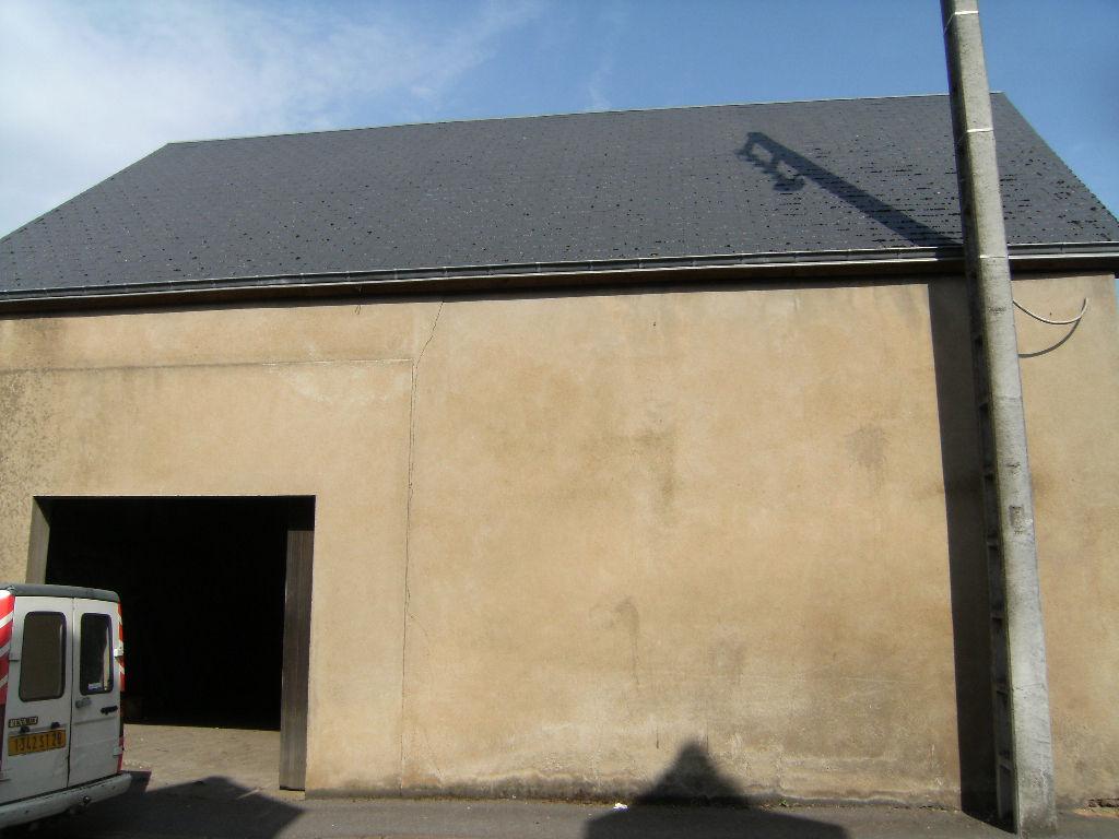 A VENDRE GARAGE 80M² CENTRE ILLIERS COMBRAY
