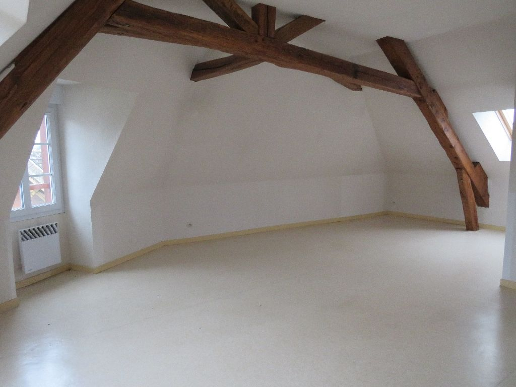 A LOUER APPARTEMENT TYPE F2 CENTRE ILLIERS COMBRAY
