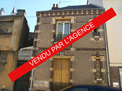 3 APPARTEMENTS + COMMERCE  ILLIERS COMBRAY